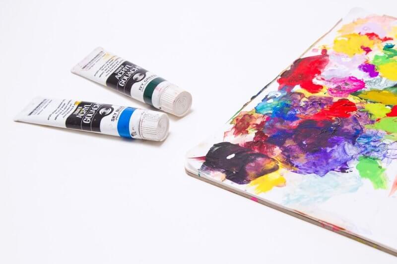 色とりどりの企業カラー